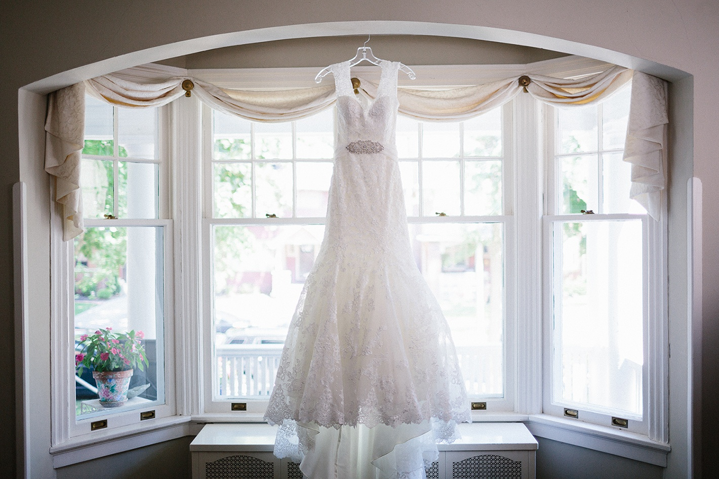 Hanging-Wedding-Dress-Blog-Wrinkle-Free.jpg